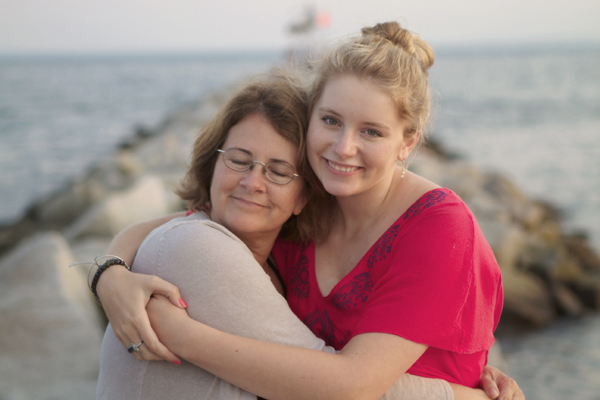 daughter, mother, Maine, Maine coast, mother and daughter, ocean, Kennebunkport,  Southern Maine, Nanette Faye Photography